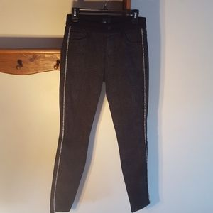 Mother High Waisted Looker Black Jeans. 28